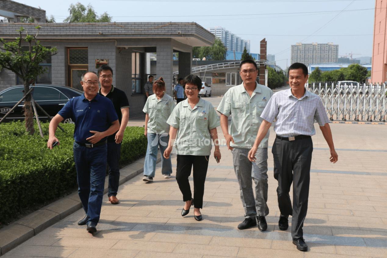 连云港市文明办主任吴克典一行查验科伦多公司省级文明单位创建工作