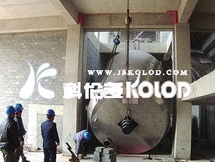 工厂二期占地40亩,在建大车间预计2013年5月建成投产,届时,工厂年总产量将逾五万吨